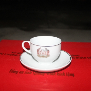 Bộ ấm chén gốm sứ Bát Tràng thủ công in logo độc đáo , sang trọng